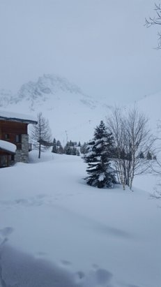 Tignes - snowing all day but visibility an issue  - ©trevorjones360