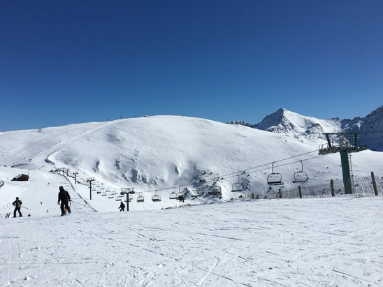 Grandvalira - Hard packed with a fresh layer on top, no wind, perfection - ©Kylie's iPhone