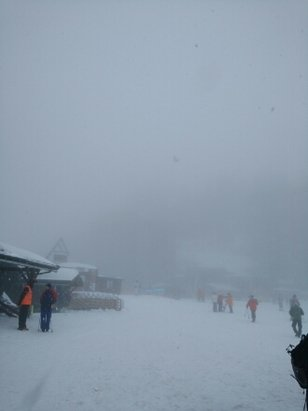 Avoriaz - Heavy new snow during day but low cloud so visibility issues higher up. Good day none the less. - ©anonymous user