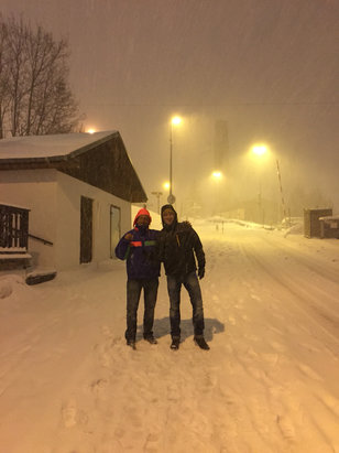 Alpe d'Huez - Kicking it down with snow and it was very much needed!!! - ©iPhone