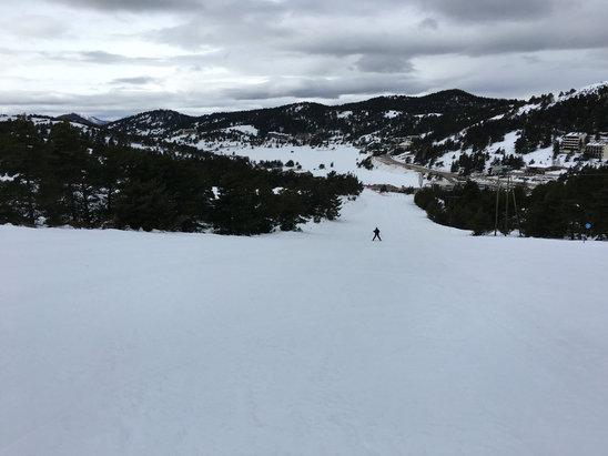 Gréolières les Neiges - Au top, au vu de l'ouverture tardive !  Neige un peu dur. - ©Vivien