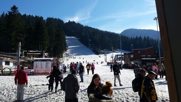 Borovets - Been in Borovets 24 hours now and today was our first day of Skiing, snow is not to bad but icy in some places. A few runs not in use but not the end of the world. Snow is supposedly coming Tuesday onwards for a few days. - ©benrs22