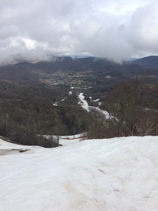 Sugar Mountain Resort - Classic spring skiing. - ©mtclimber03