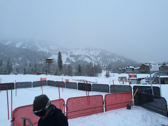 Jackson Hole - Epic, 1st in line for 16 inches of pow chow!! - ©William's iPhone