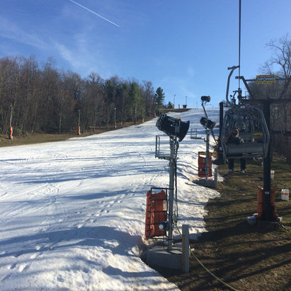 Appalachian Ski Mountain - Nice late season spring conditions. Still lots of coverage here at App despite the warm weather. - ©mtclimber03