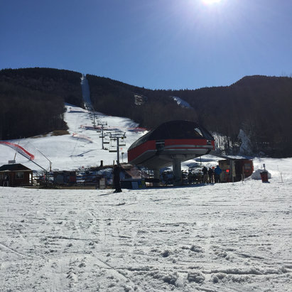 Sunday River - Temperature is back down to freezing, now making going on, season is not over, yet. Friday was spring skiing, today - middle of the winter skiing with pretty skies! - ©Zbigniew's iPhone 6