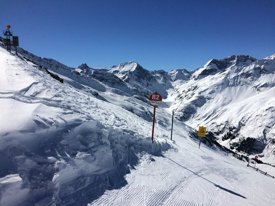 St. Anton am Arlberg - Bluebird, hard, no crowds esrly - ©GST