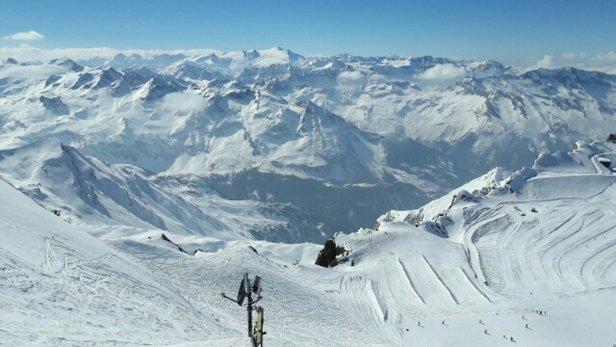 Kitzsteinhorn - Kaprun - Kitzsteinhorn ist ein Perfektes  Skigebiet für alle Ski und Snowboarder.Die neuen Lifte Gletscherjet 3u.4 sind Perfekt.Was könnte man verbessern. ....den zweier Sessellift erneuern durch einen schnelleren.  - ©brandt631