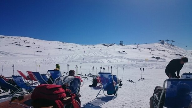 Cervinia - Breuil - Unbelievable conditions today, Sunny groomed pistes and had a sing song on the piste - ©pianowskistefan
