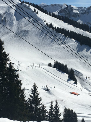 Les Carroz - Firsthand Ski Report - ©Kate