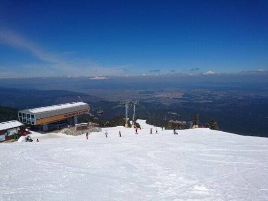 Borovets - cracking weather, night time snow, daytime sunshine, conditions are awesome on the gondola side of the resort  - ©anonymous user