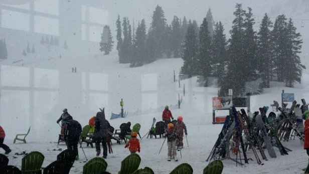 Arapahoe Basin Ski Area - Should have come up yesterday... heavy wet snow now - ©christy.h21.ch