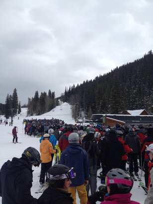 Keystone - Keystone is a zoo today. Over and hour wait for the lift.  - ©iPhone