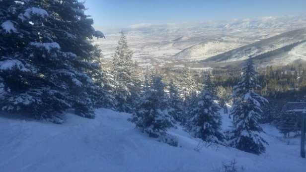 Park City - Beautiful day at canyons part of Park City. Lots of soft snow and some powder. - ©glens2422