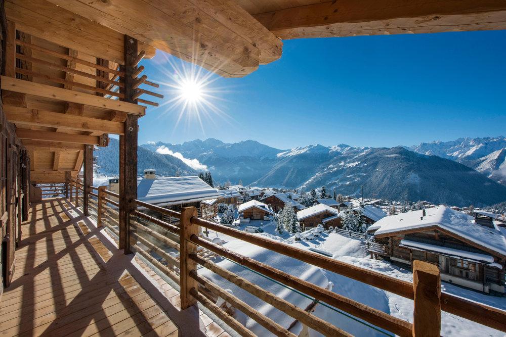 Fantastisk utsikt fra Chalet Chouqui i Verbier. - ©www.skiverbierexclusive.com