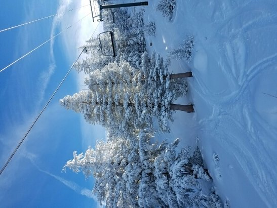 Heavenly Mountain Resort - Christmas day on Sky chair. - ©mendo crew