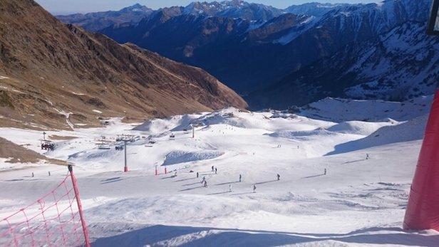 Cauterets - juste assez de neige pour profiter du beau temps et de la glisse  - ©christophedordezon