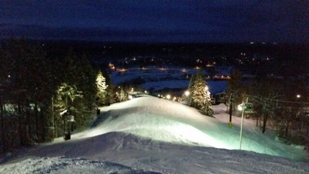 Big Boulder - Awesome conditions last night. No bald spots.  - ©anonymous