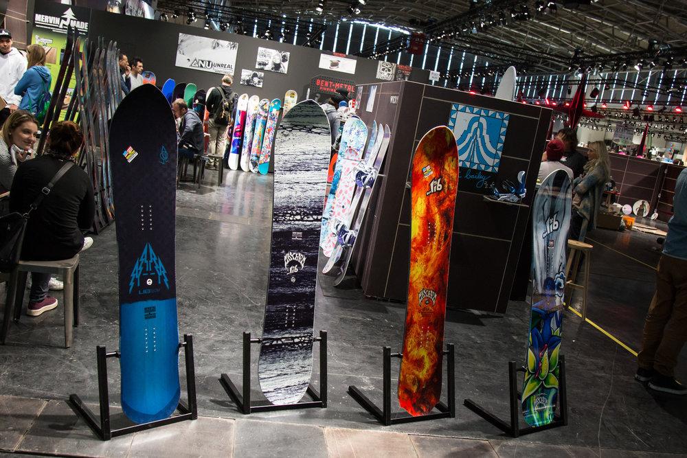 Auch neue Snowboards gibt es auf der  ISPO natürlich zu sehen - ©Skiinfo
