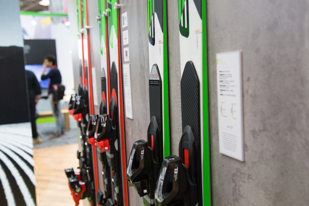 Elan stattet seine SLX--Modelle mit einer vorgespannte Carbon-Platte und der Arrow-Technologie aus - ©Skiinfo