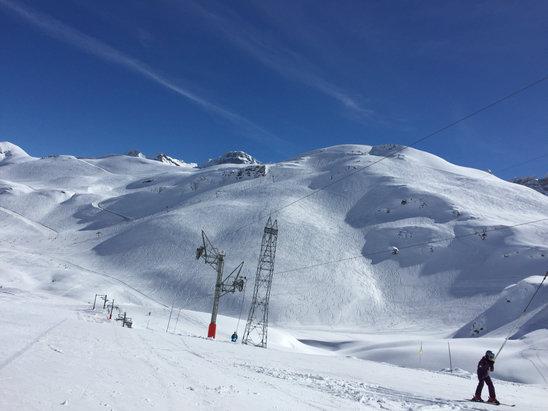 Gavarnie Gèdre - Superbe conditions à Gavarnie! Neige de qualité et surtout très bien travaillé vu la rapidité de fonte du manteau neigeux.  - ©Alexpornic