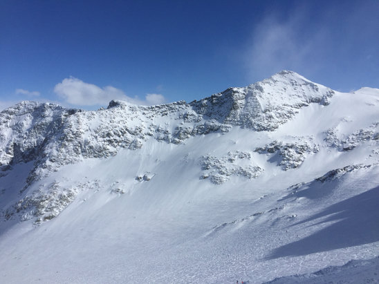 Whistler Blackcomb - Best skiing for us was Blackcomb Glacier and Symphony Amphitheater  - ©Diana's iPhone
