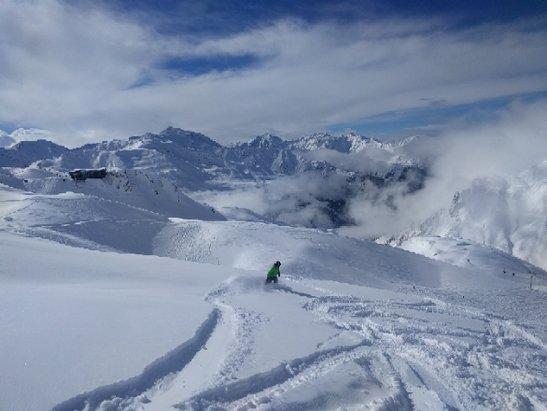 St. Anton am Arlberg - blue bird powder - ©ekalb