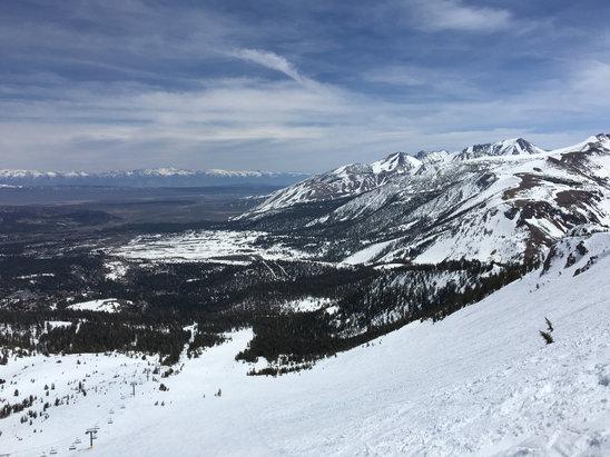 Mammoth Mountain Ski Area - Lovely spring skiing - I'll be back again next month!  - ©David Howard's iPhone