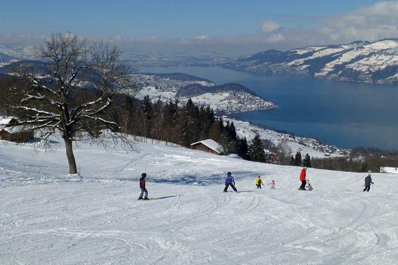 Kinderspaß im Skigebiet Aeschi - ©Aeschi Tourismus