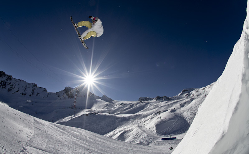 Freestyle snowboarder on the Kitzsteinhorn