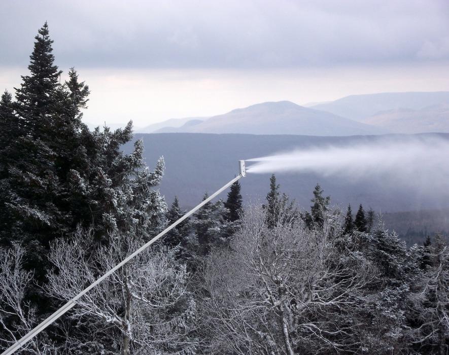 A high-efficiency snowgun blasts at full throttle. Photo Courtesy of Stratton Mountain.