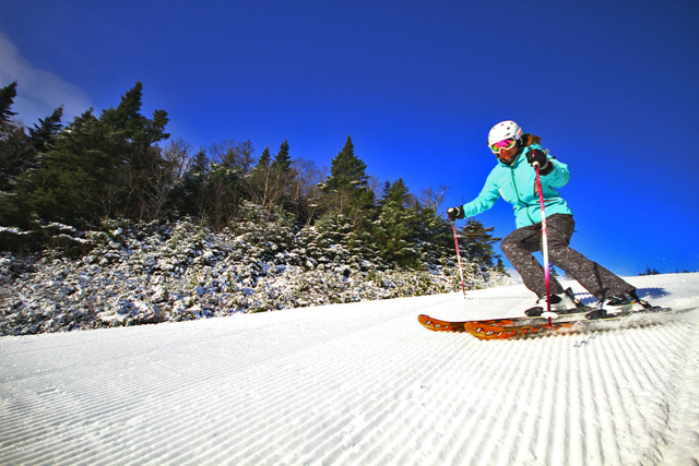 Fresh turns under bluebird skies. Photo Courtesy of Sugarbush Resort.