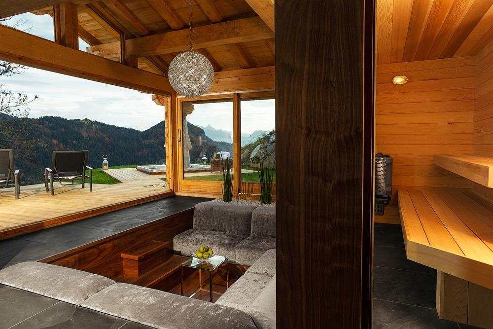 Grande Corniche glass sauna and conversation pit, Les Gets.