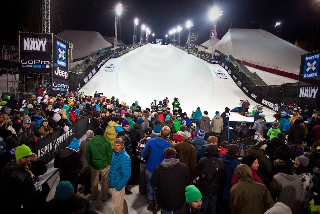 Ski Superpipe Finals Crowd