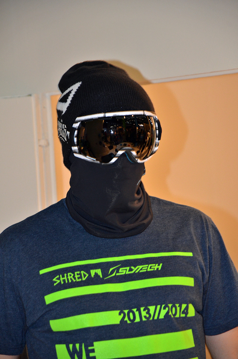 Slytech and Shred symbiosis: helmet substitute with goggles