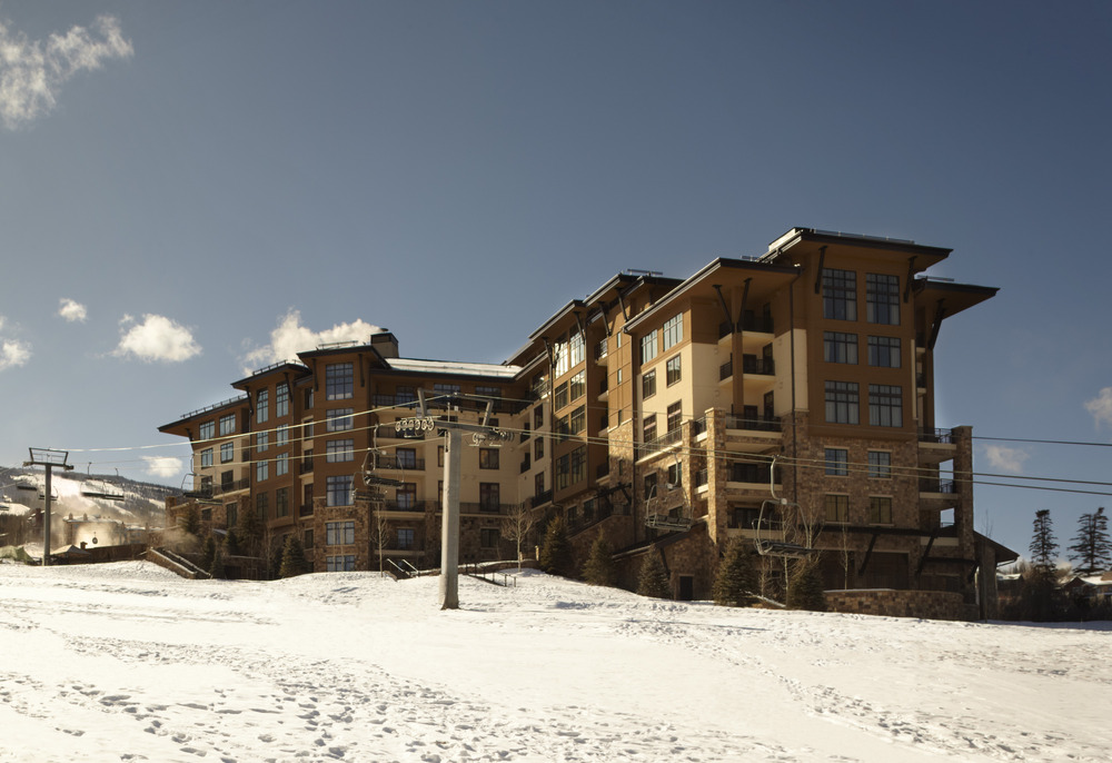 The Assay Hill high-speed ski lift is just steps from Viceroy Snowmass' Ski Concierge giving guests the ultimate ski-in/ski-out experience.