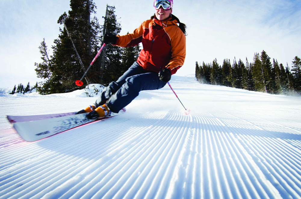 Spring is the perfect time to enjoy a blue sky, perfectly groomed runs and Park City's resorts. - ©Park City Chamber | Convention & Visitors Bureau