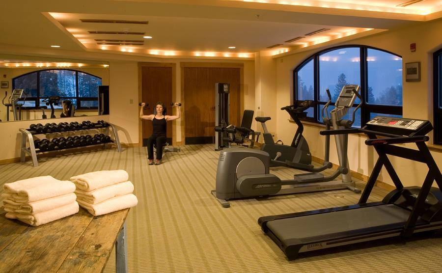 Guests who still have some energy after tackling Taos can visit the fitness center at the Edelweiss.