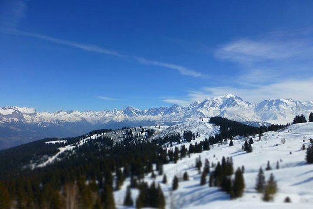 Sunny spring temperatures in Megeve, France 17th March, but it's all set to change this weekend.