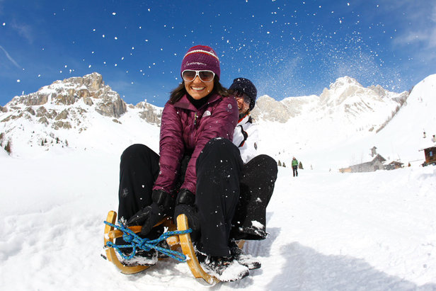 2 Tutti in slitta in Val di Fassa - ©Val di Fassa - R. Brunel