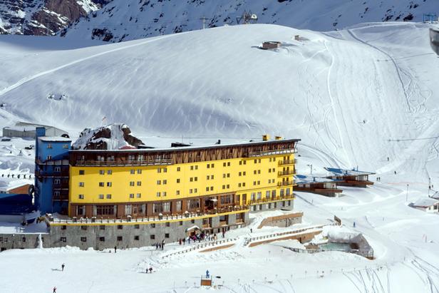 Portillo Hotel, Portillo, Chile. - ©Andes Ski Tours