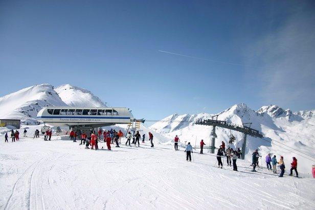 Sněhové zpravodajství: I přes oteplení je sněhu ještě dost. A další je na cestě. - ©La Thuile Valle d'Aosta -Italy- Facebook