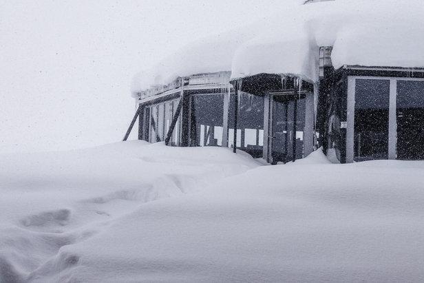 Schneebericht: Bis zu eineinhalb Meter Neuschnee in den Nordalpen gefallen! - ©Facebook Zugspitze