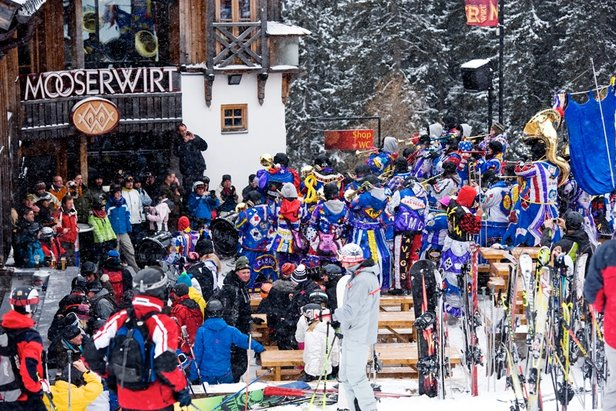 Crowds gather outside the Mooserwirt in St Anton