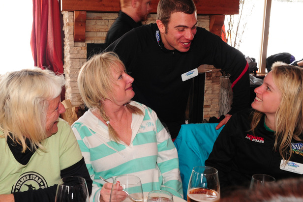 Ladies Day participants share lunch at Big White. Photo by Quick Pics/Big White. - ©Quick Pics/Big White