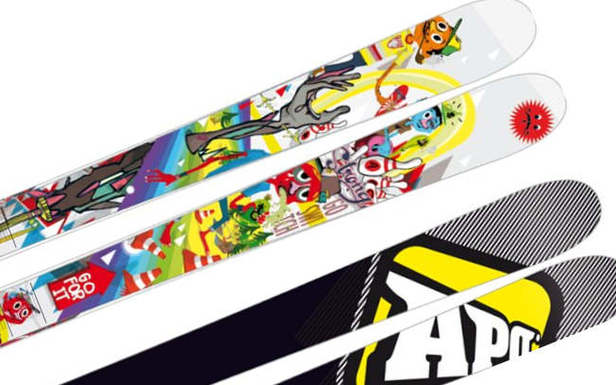 Skis APO SNOW - ©APO SNOW