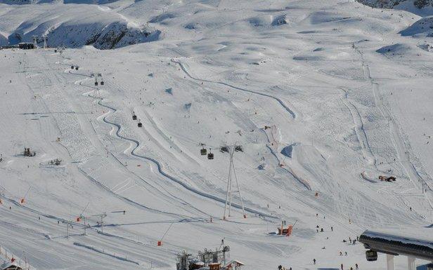 Vue sur le snowpark de l'Alpe d'Huez - ©Alpe d'Huez grand domaine Ski