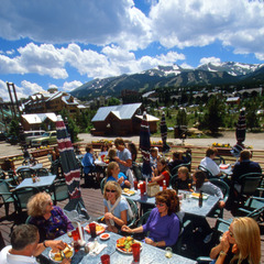 Breckenridge Colorado lodge dining