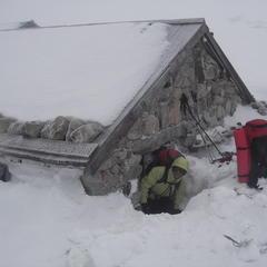 Mountain hut in Corsica. Courtesy Montagnes de Corse.