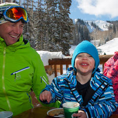 Hot chocolate break, Deer Valley - ©Deer Valley Resort